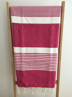 Fouta towel duo traditional couple Beach cotton fuchsia and grey / tunisian fouta hammam towel Mr Mrs beach cotton / lesptitskdo Mr Mrs, Fabric Gift Bags, Lavender Bags, Weaving Projects, Fuchsia, Turkish Towels, Stripe Pattern, Artisanal, Tea Towels
