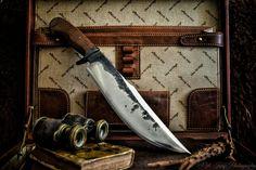 Photographs of fixed knives