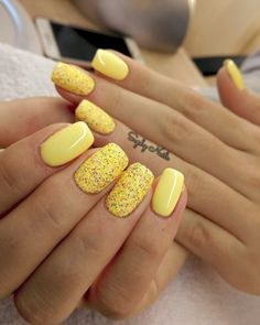 Yellow Coffin Nails Coffin Nails Matte, Gold Nails, Glitter Nails, Acrylic Nails, Acrylic Nail Designs, Nail Art Designs, Dipped Nails, Diamond Nails, Yellow Nails