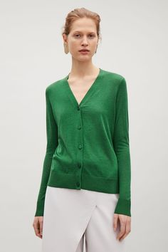 COS Silk-cotton v-neck cardigan in Bottle Green 59E=1593,-