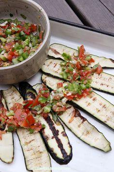 SILLÄ SIPULI: Grillattu kesäkurpitsa ja raikas salsa