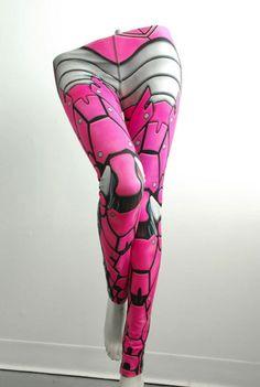 Des leggings avec un design d'armure de robot http://hitek.fr/42/leggings-armure-robot_529