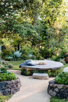 Inspiring Modern Garden Design Ideas For Your Inspiration 13 Meditation Music - Jardin Vert. Garden Show, Garden Care, Dream Garden, Pink Garden, Garden Bed, Japanese Garden Design, Australian Garden Design, Market Garden, Mediterranean Garden