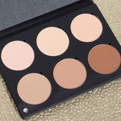 Visit the blog for a review of the Youngblood Mineral Cosmetics Contour Palette. Everything you need to naturally contour and highlight a variety of skin tones. (Link in bio.) #beauty #makeup #contour #contouring #highlight #bbloggers #bbloggersca