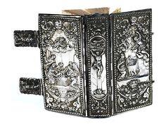 Silberner Bucheinband