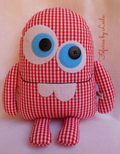 Sewing Toys Monstrinho Dentucinho , fofinho de pano Mais Amazing Home Sewing Crafts Ideas. Incredible Home Sewing Crafts Ideas. Sewing Toys, Sewing Crafts, Sewing Projects, Fabric Toys, Fabric Crafts, Fabric Sewing, Paper Toys, Monster Toys, Fabric Animals