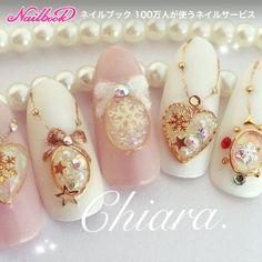 Chiara. ♡Winter❄️. ブローチドーム色々♡Instagram → yochan4.nail|ネイルデザインを探すならネイル数No.1のネイルブック