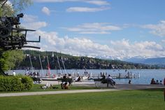 Lake Side Party am Zürichhorn und Eröffnung der Zürcher Badesaison 2017 - Wunderschönes Wetter und gut gelaunte Menschen vom Strandbad Tiefenbrunnen bis zum Bellevue