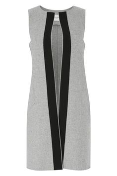 Amanda Wakeley is one of those heritage brands the UK fashion scene just wouldn't be complete without. Helmed by the entrepeneur behind the eponymous label, and delivering everything from classic workwear pieces to decadent eveningwear and lust-worthy bri