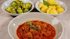 Rezept von Andreas Wojta   1 Stunde 10 Minuten/ leicht Sauerkraut, Curry, Ethnic Recipes, Food, Youtube, Meat, Easy Meals, Chef Recipes, Food And Drinks