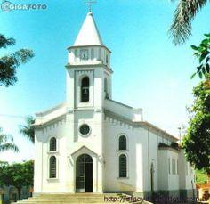 * Igreja de Nossa Senhora d'Abadia