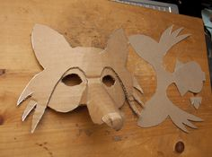 Fuchs Maske Wellpappe How to make a fox mask from recycled cardboard. Fox Costume, Costume Halloween, Diy Halloween, Cardboard Mask, Cardboard Crafts, Paper Crafts, Art For Kids, Crafts For Kids, Arts And Crafts