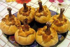 Хотите удивить своих домочадцев? Тогда приготовьте им это эффектное блюдо, которое будет весьма кстати и на праздничный стол.