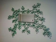 Espello para o despacho feito con tubos de papel hixienico.