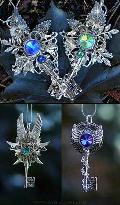 Syek by KeypersCove . Key Jewelry, Jewelery, Jewelry Making, Steampunk, Mythology Tattoos, Gothic, Old Keys, Magical Jewelry, Key Necklace