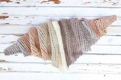 One evening is probably enough to begin and finish this modern gorgeous crochet scarf. This is such a simple pattern, but the result is beautiful! Desert Winds Triangle Scarf by Jess Coppom is quick to make up, so you have a finished scarf in no time. Fast and easy, this is one lovely and super-simple …