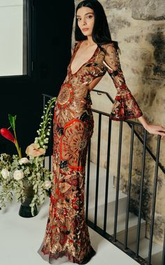 Get inspired and discover Cucculelli Shaheen trunkshow! Shop the latest Cucculelli Shaheen collection at Moda Operandi. 70s Inspired Fashion, 70s Fashion, Look Fashion, Runway Fashion, High Fashion, Fashion Outfits, Womens Fashion, Spring Fashion, Fashion Trends