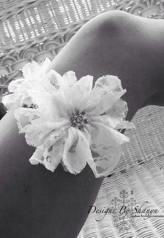 Lace flower garter. The flowers are made from lace. Different!