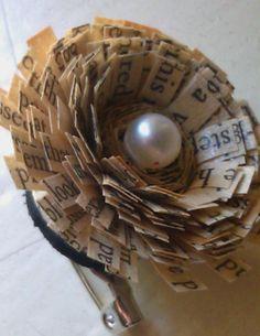 beautiful old text flower brooch with por ThePrettiesStore en Etsy