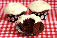 Cream Cheese frosting, makes 3-4 cups (enough for a dozen cupcakes).    Needed: two 8 ounce packages of cream cheese, 1/4 cup (half a stick) of butter, 1/2 teaspoon vanilla extract and 3-4 cups powder sugar.