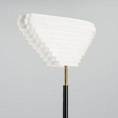 ALVAR AALTO, LATTIAVALAISIN. Enkelin Siipi, malli A 805. Leimattu Valaistustyö. Alvar Aalto, Malli, Bukowski, Finland, Auction, Table Lamp, Design, Home Decor, Table Lamps
