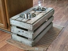 Wood Pallet Projects 32 DIY Raised Dog Feeder from Old Crate More - Wood crates can be found in many home. They are perfect for making of all kinds of furniture. Take a look at these DIY wood crate projects, which are so versatile, functional and d