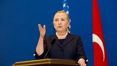 Hillary Clinton Goes Back To Yale For Economics 101 Course