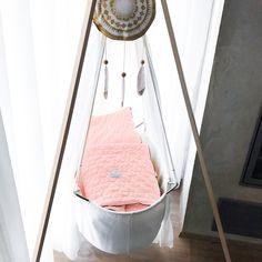 Festival mini aneb designová mánie ~ L ~ Hanging Chair, Mini, Blog, Furniture, Home Decor, Hammock Chair, Interior Design, Home Interior Design, Arredamento