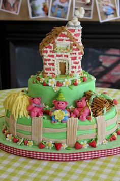 3 little pigs cake - straw, sticks, and brick houses