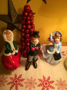 Ceramic carolers from the 1980s