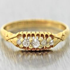 1940s Antique Art Deco Solid 18k Yellow Gold Diamond Wedding Band Ring