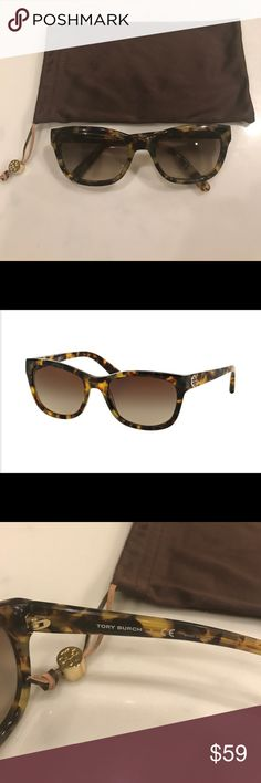 Tory Burch Classic sunglasses in Spotty Tort Tory Burch Classic sunglasses in Spotty Tort.  In very good condition! Includes bag for storage. Tory Burch Accessories Sunglasses
