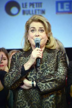 Catherine Deneuve Photos Photos - Catherine Deneuve attends Closing Ceremony of the 8th Film Festival Lumiere In Lyon on October 16, 2016 in Lyon, France. - 8th Film Festival Lumiere In Lyon : Closing Ceremony