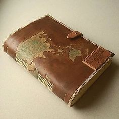 Kožený zápisník, ručná výroba, mapa sveta, cestovatelský denník / handmade / bookbinding / leather / paper / pyrografy