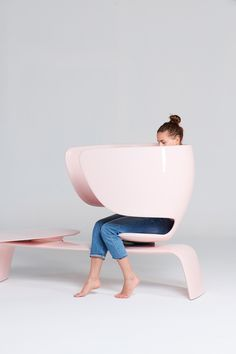 Heer bench aims to tackle the stigma attached to breastfeeding in public Rustic Stools, Industrial Dining Chairs, Metal Chairs, Cool Chairs, Unique Furniture, Furniture Design, Furniture Projects, Breastfeeding In Public, Fire Pit Table And Chairs
