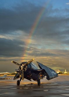 TBF Avenger Navy Aircraft, Ww2 Aircraft, Military Jets, Military Aircraft, Propeller Plane, Aircraft Parts, Flying Ace, Air Fighter, Air Festival