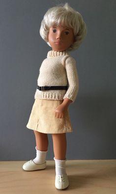 SASHA DOLL Sweater Girl + extra custom clothing! very good condition #Sasha #DollswithClothingAccessories