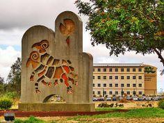 """Monumento al """"Borrego Cimarron"""" en la UABC Univercidad Autonoma de Baja California."""