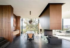 california-glass-concrete-house-surrounded-by-green-4