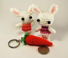 Amigurumi carrot keychain