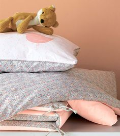 1000 images about poussez vous j 39 arrive on pinterest bebe tour de lit and du bois. Black Bedroom Furniture Sets. Home Design Ideas