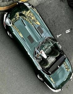 cars british jaguar e type Classic Sports Cars, Best Classic Cars, Retro Cars, Vintage Cars, Supercars, 2013 Jaguar, Automobile, Jaguar E Type, Jaguar Xk