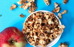 Guilt-free Caramel Apple Popcorn Recipe #healthy #recipe