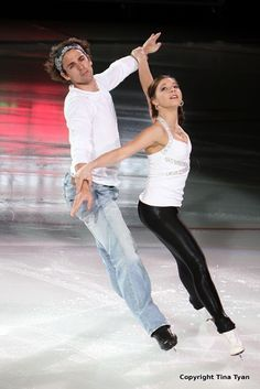 Jessica Dubé and Bryce Davison skating to Coldplay's Fix You