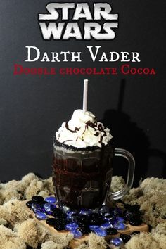 Darth Vader Double Chocolate Cocoa Recipe Disney-Inspired Recipe for Star Wars Fans! Non Alcoholic Drinks, Fun Drinks, Yummy Drinks, Beverages, Sonic Drinks, Fun Cocktails, Cocoa Recipes, Hot Chocolate Recipes, Recipies