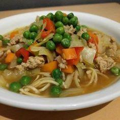 Dette er en rigtig lækker og sund suppe, som mætter rigtig godt og har masser af smag. 8 portioner (4 personer) 500 g hakket kyl...