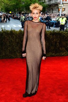 Met Gala 2013 Red Carpet - Fashion Looks at the Punk-Themed Met Ball - ELLE YES MILES