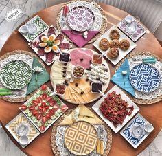 Sunum , #sunum Menu Brunch, Dinner Menu, Iftar, Menu Design, Food Design, Design Table, Yummy Appetizers, Appetizer Recipes, Food Decoration