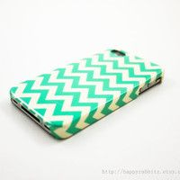 mint chevron iphone case. obsessed.