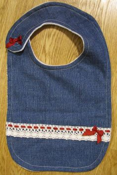 Baby Bibs made out of old jeans. Jeans re-use. Old Jeans, Baby Bibs, Handicraft, Projects, Sew, Bibs, Craft, Log Projects, Blue Prints